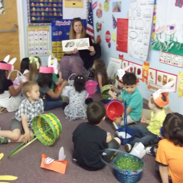 Preschool In Modesto CA | Reading To Class